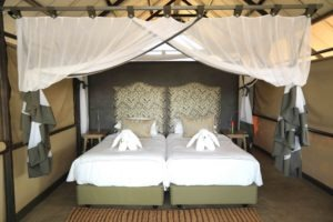 kavinga camp mana double bed