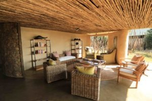 kavinga camp mana lounge area wide