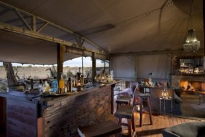 somalisa expeditions hwange bar area