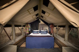 zambezi expeditions mana pools bedroom