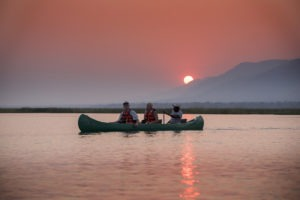 zambezi expeditions mana pools canoe sunset