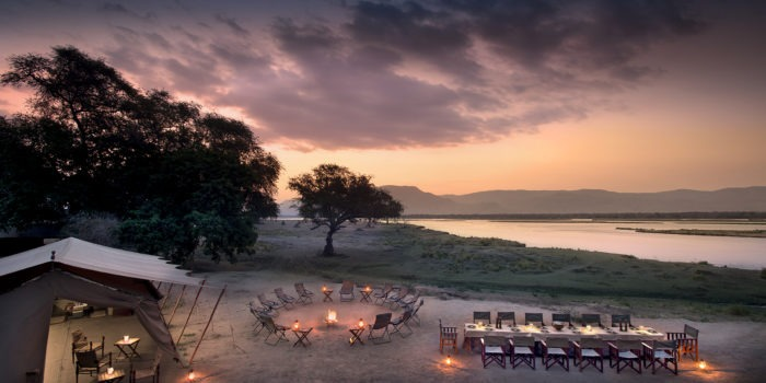 zambezi expeditions mana pools sunset