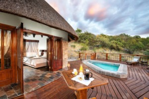 5Etosha Mountain Lodge Family room with plunge pool