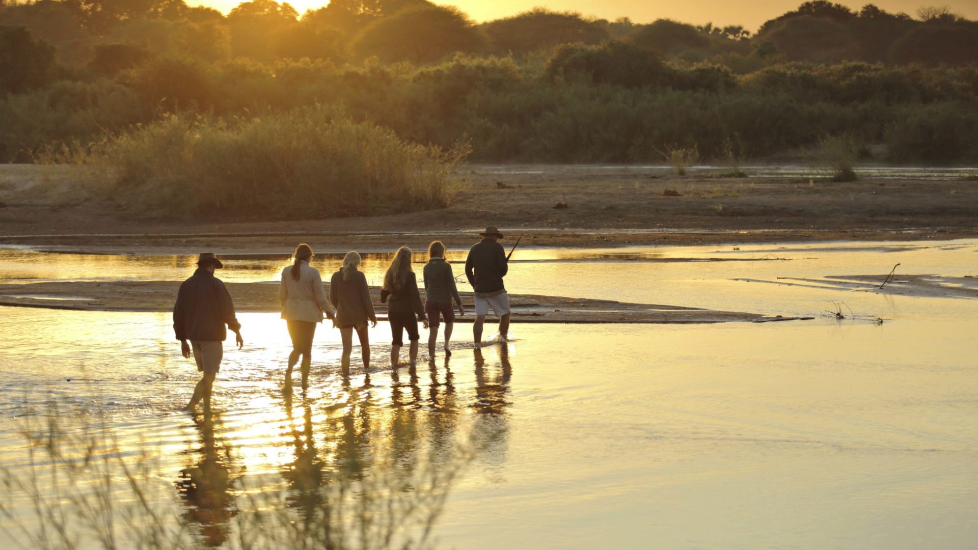 kichaka ruaha walking safaris river