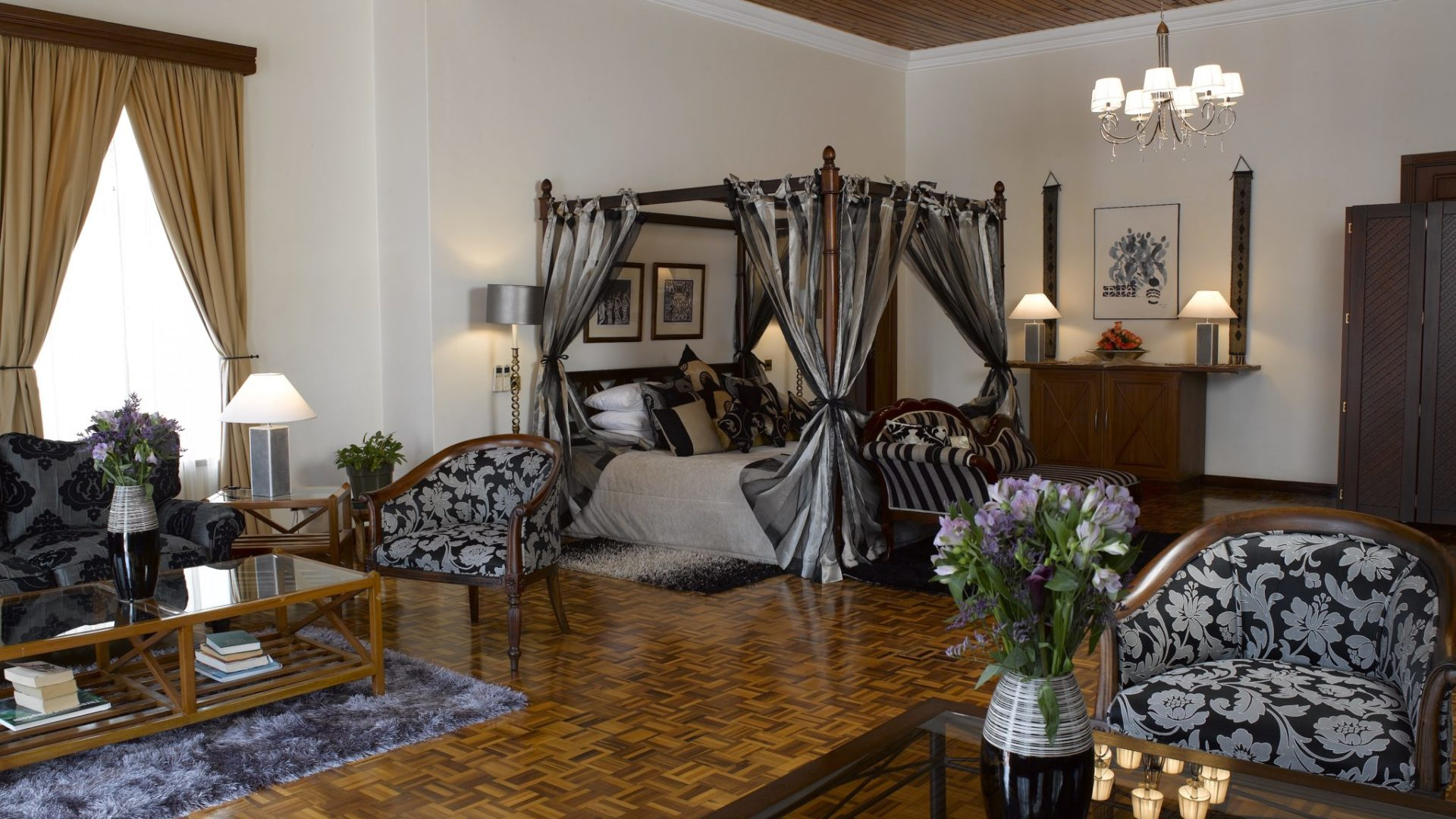 House of Waine Malaika Honeymoon Suite
