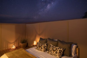 7Kwessi Dunes Star room at night